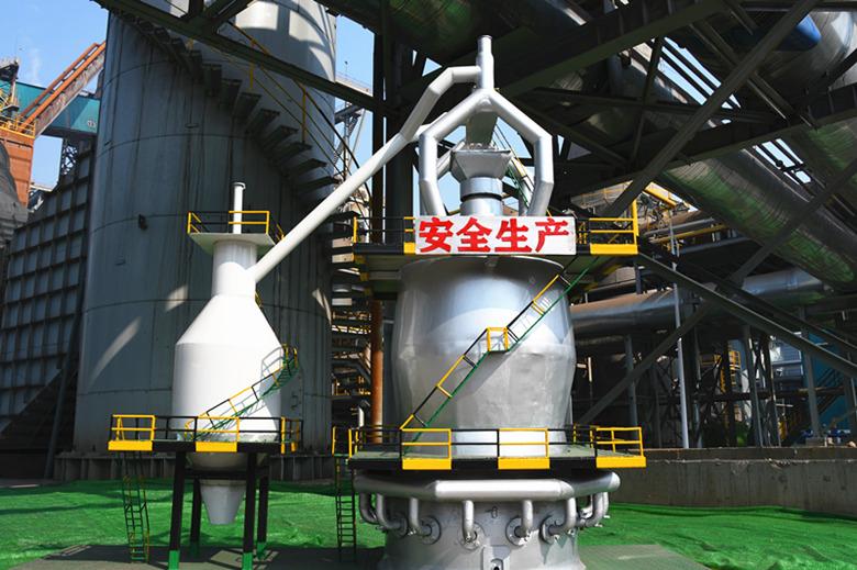 自制高炉模型 创建美丽厂区